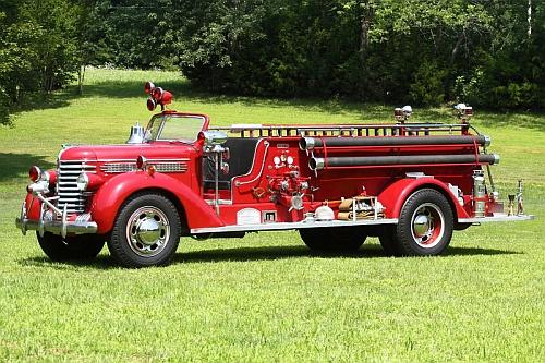 Burlington's 1940 Diamond T/Oren Pumper... And a Mystery ...